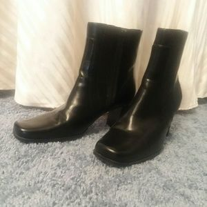 ⚘Nice black heeled boots⚘